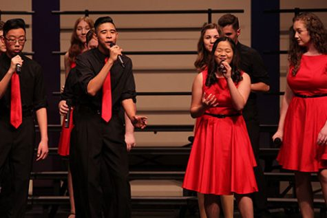 Corona del Sol choir rings in the holiday spirit with annual concert